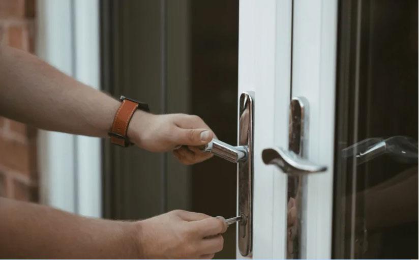 The Differences Between French Doors & Sliding Doors
